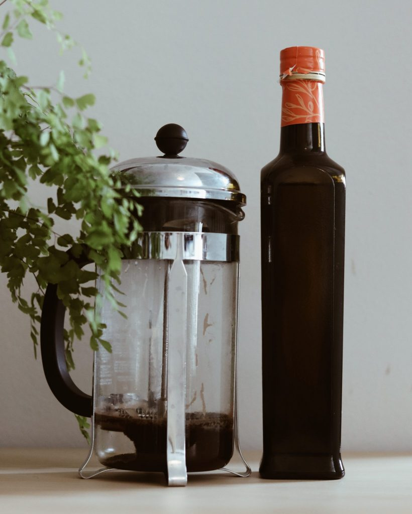 Kaffeesatz und Olivenöl